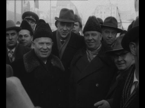 Khrushchev visits That Wall (1963)