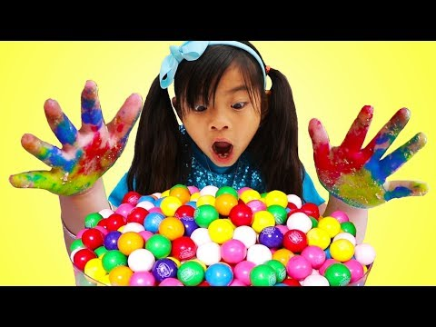 Johny Johny Yes Papa | Emma Pretend Play Wash Your Hands Before Eating Gumballs Kids Song