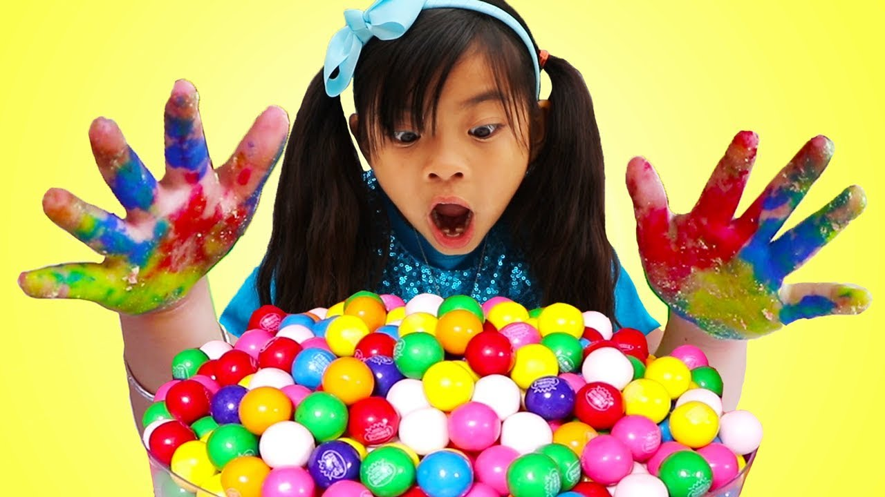 Download Johny Johny Yes Papa   Emma Pretend Play Wash Your Hands Before Eating Gumballs Kids Song
