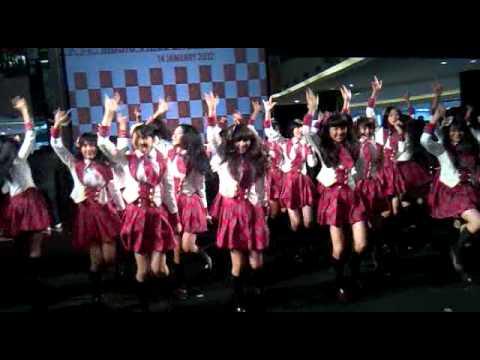 [14.01.2012] JKT48 - Aitakatta (Live Perform.) at Launching MV JKT48 @ F(X) Senayan