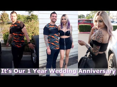 It's Our 1 Year Wedding Anniversary!!