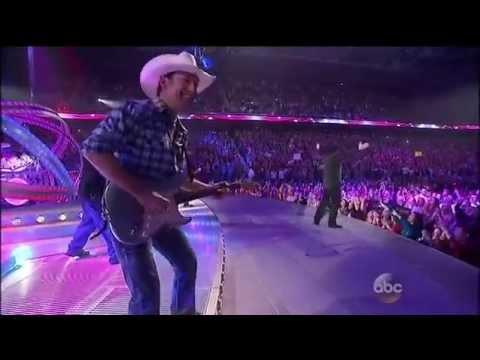Garth Brooks- People Loving People Live at AMA 2014