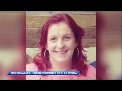 Homem acusado de matar esposa na frente do filho é condenado a 31 anos de prisão