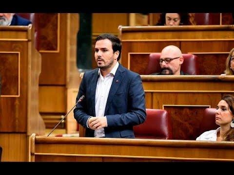 """Alberto Garzón reprocha al Gobierno que en todo un año no quiso cumplir los acuerdos y avisa que """"sus giros a la derecha y los 'guiños' a Rivera indican que eso va a seguir por mucho tiempo más""""."""