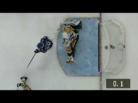 Hedman rifles goal in with 0.1 seconds left in period