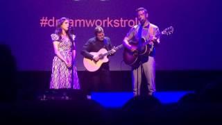 Justin Timberlake y Anna Kendrick cantan 'True Colors'en Cannes
