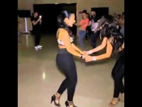 Bailando Bachata nivel Diosas! Lesbos?