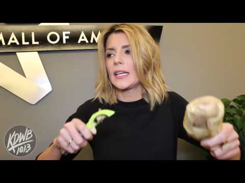 Distracted Karaoke with Grace Helbig and Falen