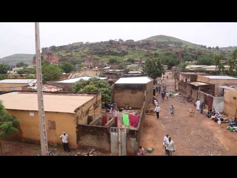 Akon Providing Solar Lighting in Africa for 600m People