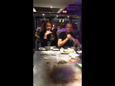 Restaurant teppanyaki comptoir nippon a Montparne - YouTube on
