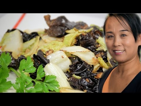 Chinese Cabbage & Fungus Stir Fry (Asian, Chinese Vegetarian Recipe)