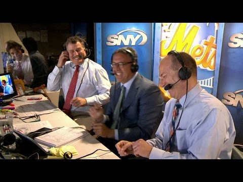 NYM@ATL: Gary, Keith and Ron say hi to Braves booth