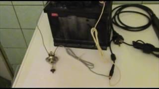 Как зарядить автомобильный аккумулятор с помощью адаптера питания от ноутбука