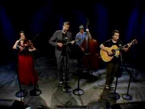 Nickel Creek 'Jealous of the Moon' Live session
