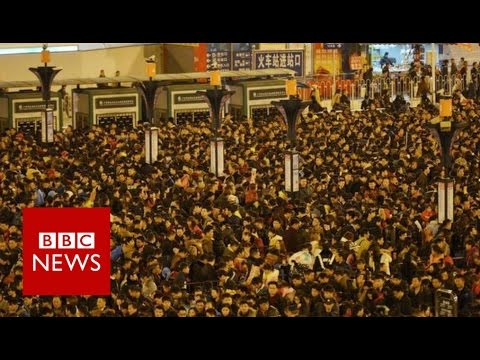 Aerial footage shows China station crowds - BBC News