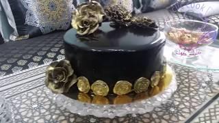 طورطة راقية كيك الشوكولاته بموس الفراولة مع كلاصاج لامع / Chocolate cake