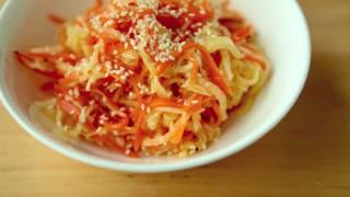 Салат из дайкона и моркови (Namasu)