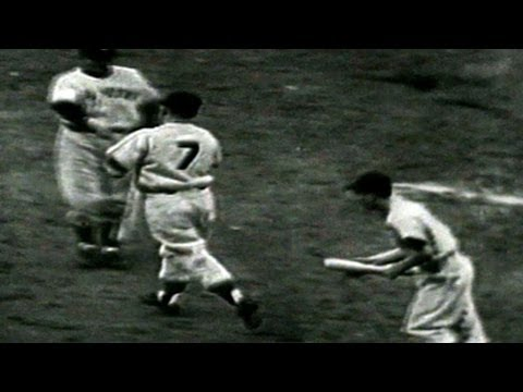 Mantle takes Black deep in Game 7 of the 1952 World Series