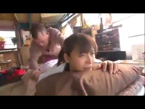 相武紗季がカラダをモミまくられる動画