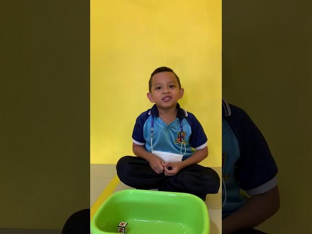 ชุดฝึก Stack/Stack it up ศูนย์ฝึกเด็กสองภาษา พังงา Felix 5 yrs old