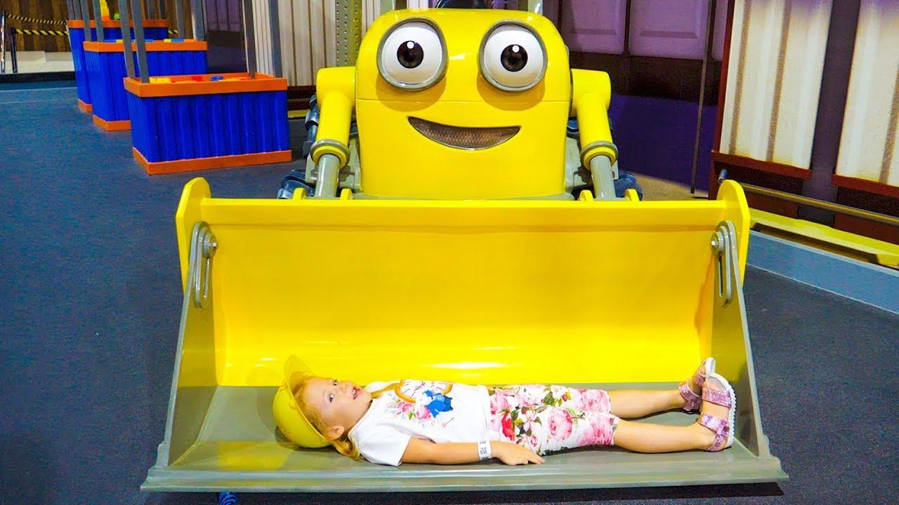 ملعب داخلي للأطفال مع توماس وسام سام هو البناء متعة اللعب