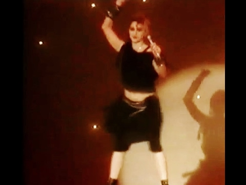 VH1 - TMF - Madonna's Greatest TV Moments - Part Two - Holiday