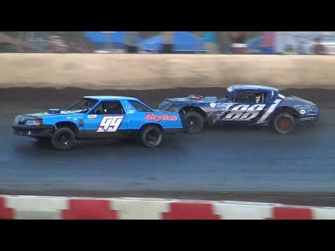 Street Stock Feature-Roberts Fights Off The Field @ Willamette Speedway 2018