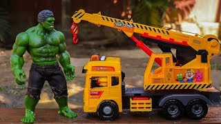 The hulk & Construction vehicles crane rescue car toys
