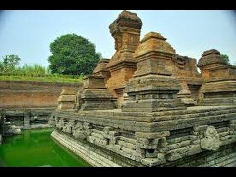 Temples in East Java - Indonesia (Candi-candi di Jawa Timur)