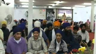 Taksali fighting inside Gurdwara