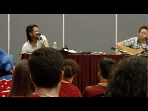 Montreal Comic Con 2012 - Johnny Yong Bosch pt8/10 - Bumble