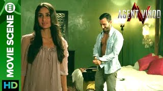 Video Saif Ali Khan & Kareena Unseen Footage on CCTV download MP3, 3GP, MP4, WEBM, AVI, FLV September 2018