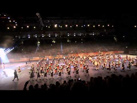 Belfast Tattoo 2013 World Class Pipes and Drums