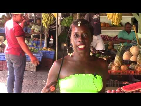 Shopping at Farmer's Market in the Dominican Republic!