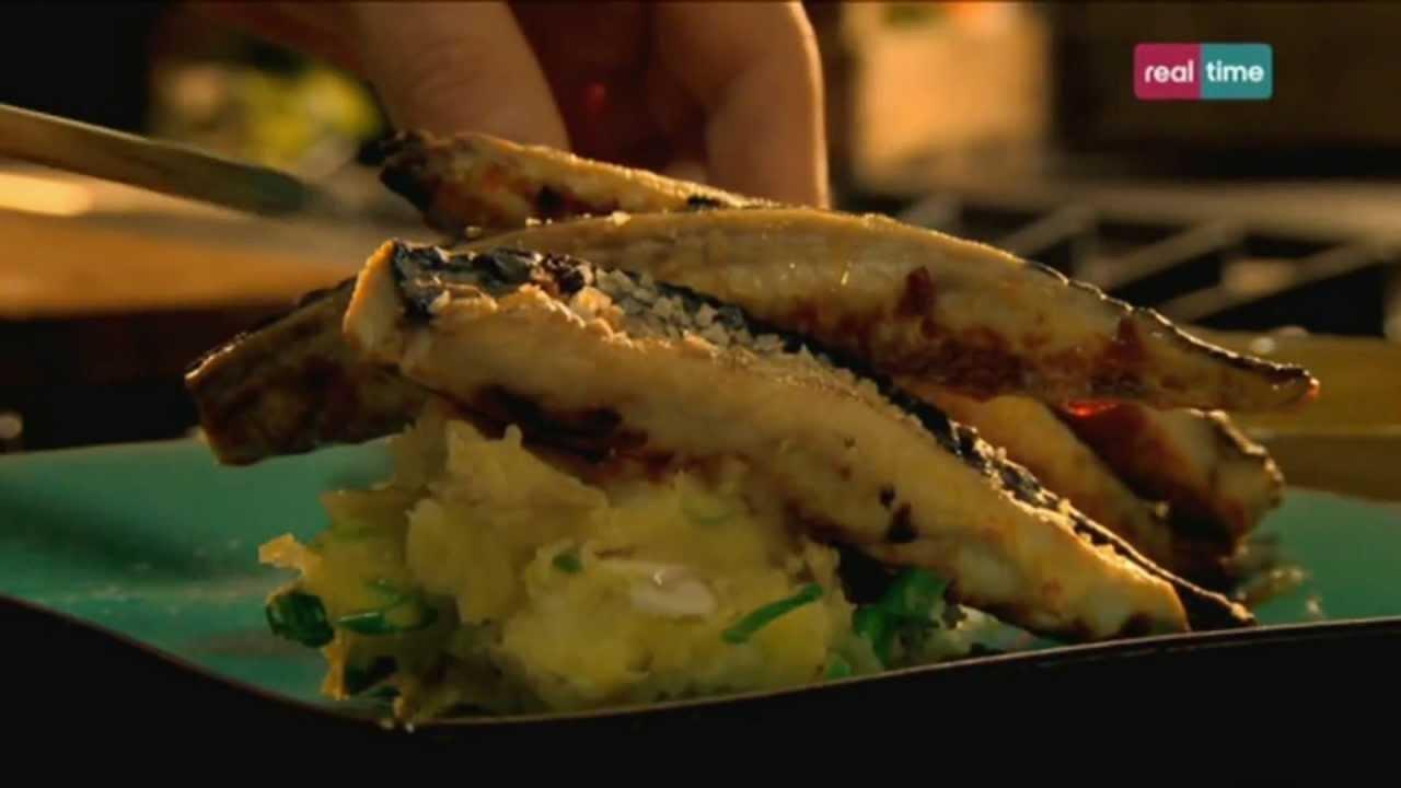 Hotel Paprica 1 Cucina Con Ramsay 42 Sgombro Al Forno Con Aglio E Paprica Youtube