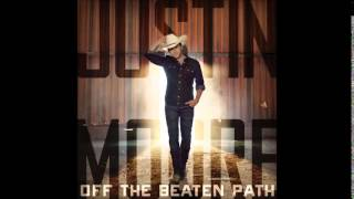 Watch Justin Moore Old Back In The New School video