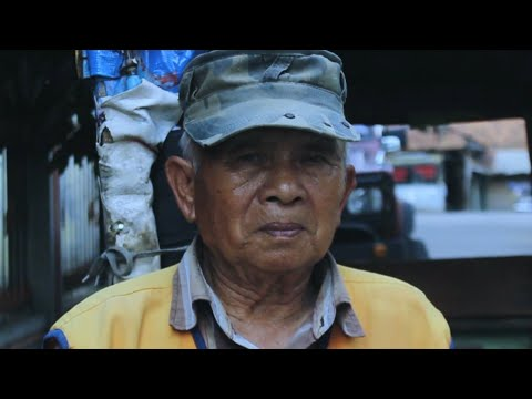 Human Interest Video - Kakek Tua Pendorong Taxi Anak #Bandung