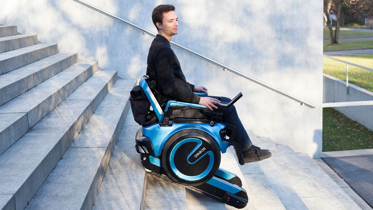 Resultado de imagem para Vem aí a primeira cadeira de rodas capaz de subir escadas