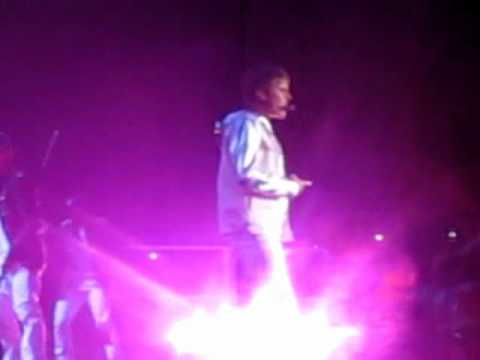 Justin Bieber-Bigger (Live at SICC-Indonesia)