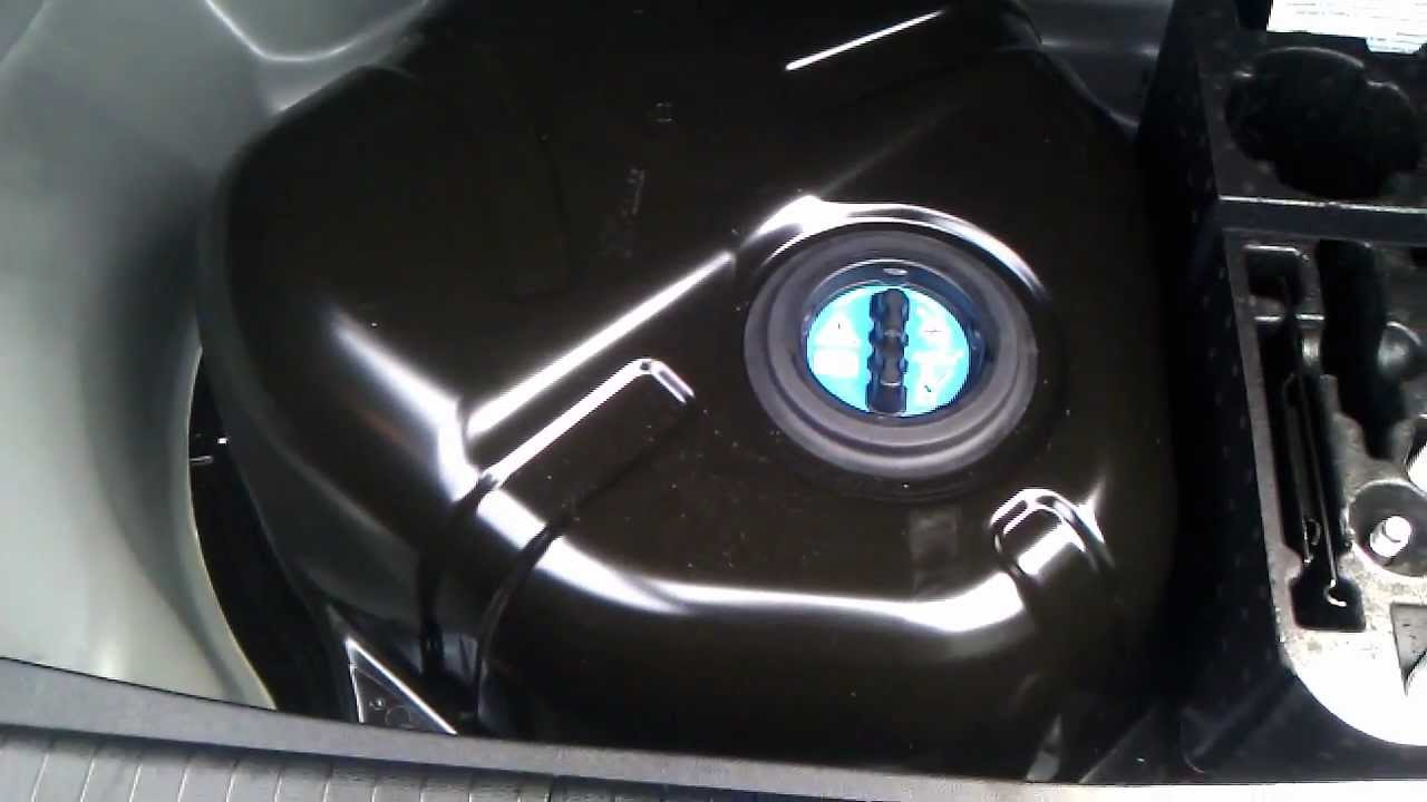2011 mercedes e350 bluetec diesel youtube. Black Bedroom Furniture Sets. Home Design Ideas