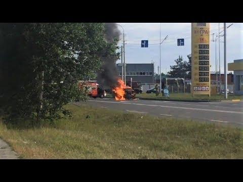 В Сургуте удалось спасти водителя вспыхнувшего автомобиля