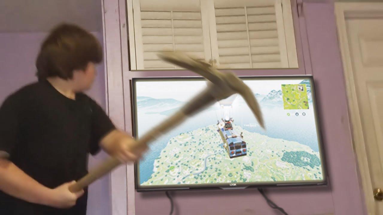 Funniest Gamer RAGE QUITS #4 - Kids Destroying Electronics! LOL
