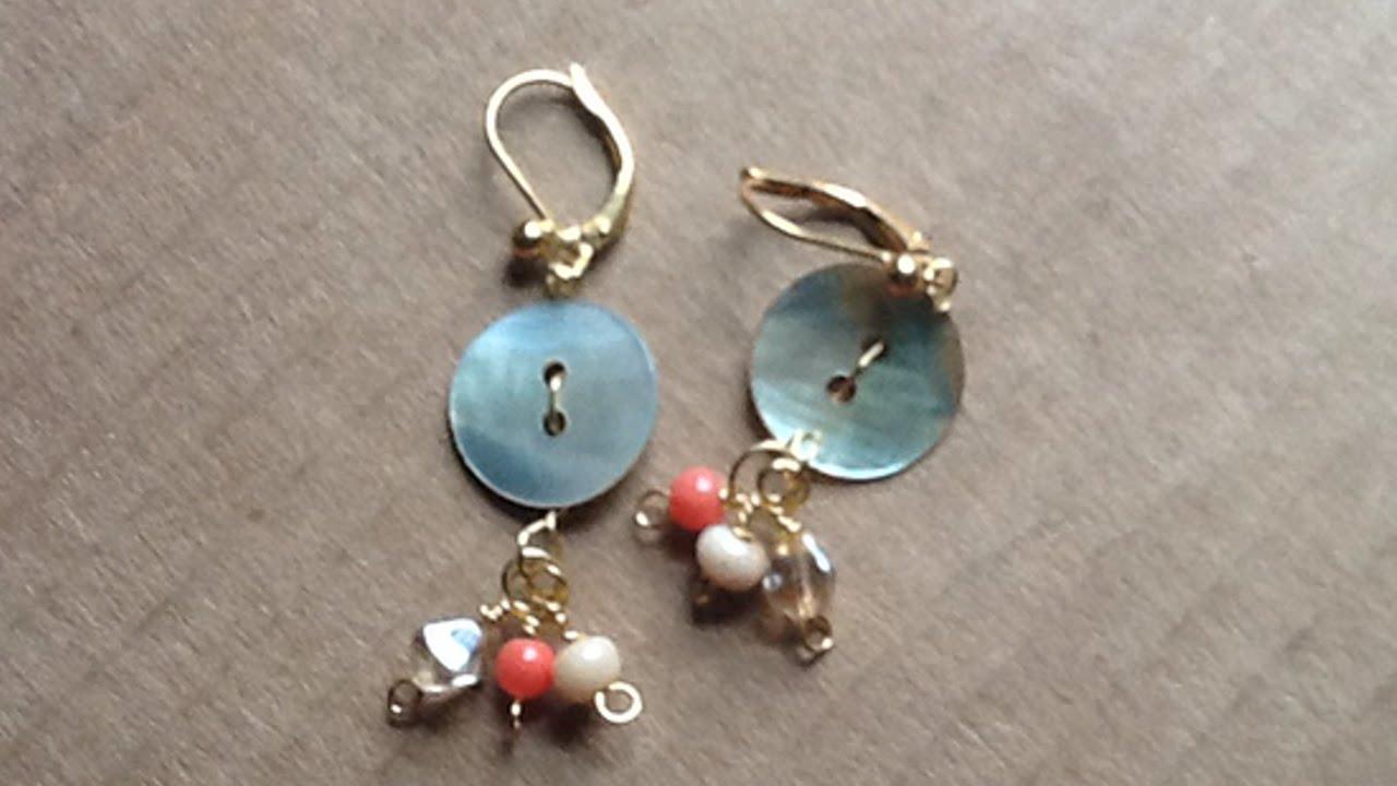 Crea dei graziosi orecchini pendenti coi bottoni fai da for Orecchini con pietre dure fai da te