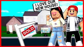 MOVING INTO My DREAM HOUSE in BLOXBURG! - Roblox