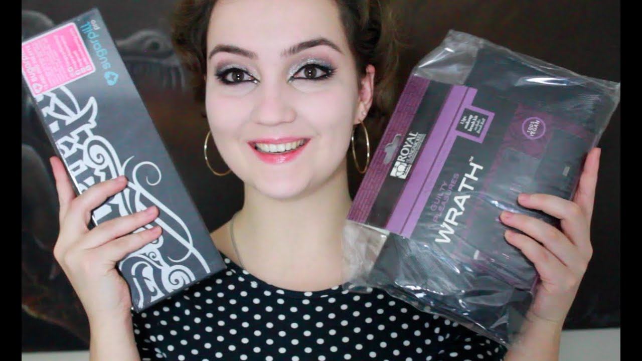 Amber Boddy Whipping 600,000 subscribers giveaway! :d | klairedelys