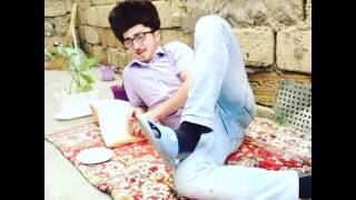 Huseyn Azizoglunun çəkdiyi ilk videosu - Vine Huseyn Azizoglu