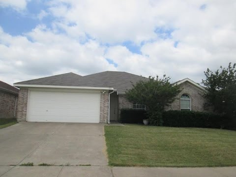 Dallas Rental Houses: Burleson House 3BR/2BA by Dallas Property Management