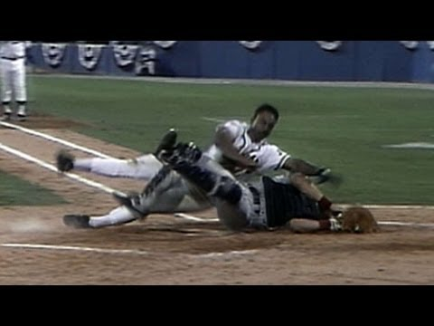 1991 WS Gm4: Smith collides with Harper at the plate