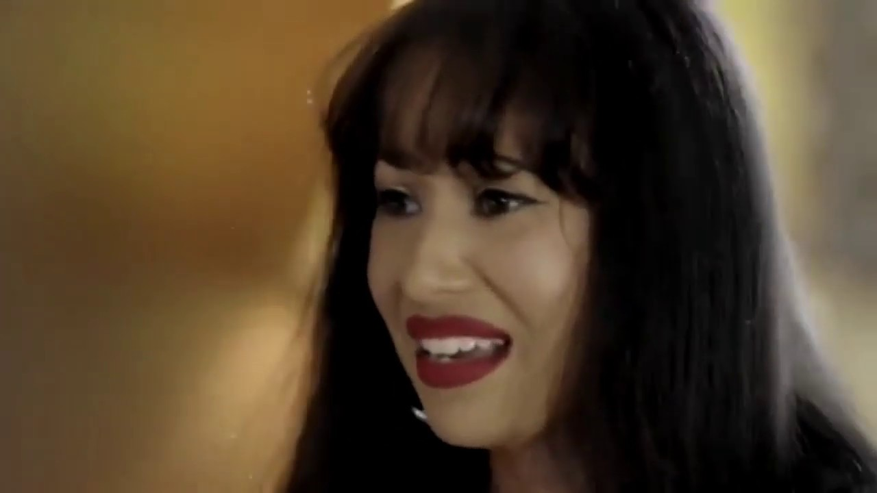 'Selena' star Christian Serratos reflects on filming singer's death scene