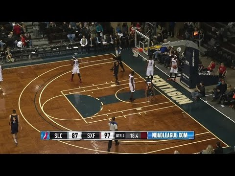Joel Bolomboy Scores 23 Points on NBA D-League Assignment